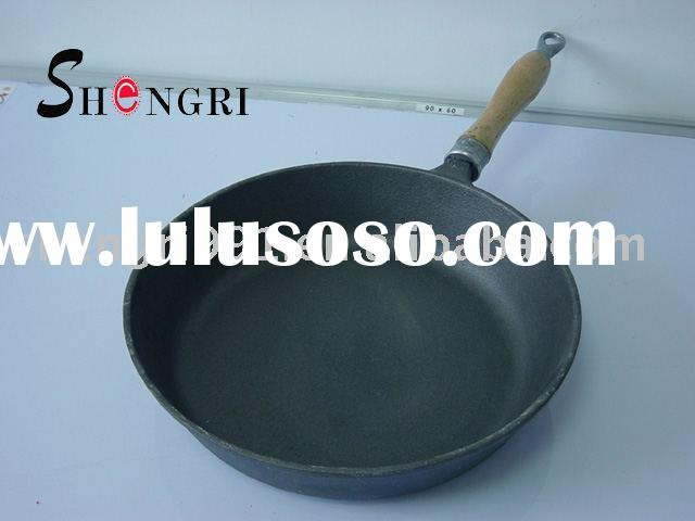cast iron fry pan with pre-seasoned oil coated