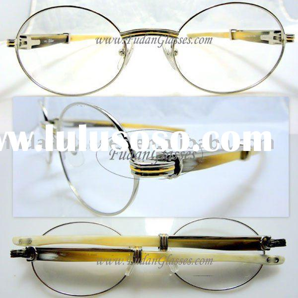 how to find optical center of glasses