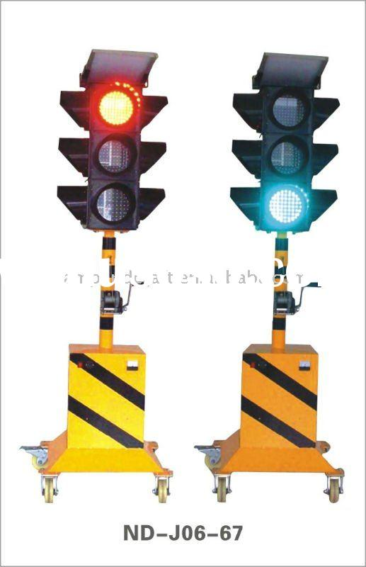 Construction trailer emergency solar traffic light