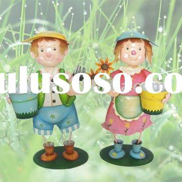 Metal Flower Pots on Flower Pot With Boy And Girl Flower Pot The Flower Pot Crafts Metal
