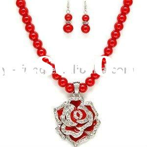 Chunky Red Rose Flower and Crystals Pendant Beaded Statement Necklace and Earrings Set Fashion Jewel
