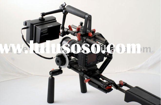 DSLR shoulder rig with focus assist monitor for professional video shooting