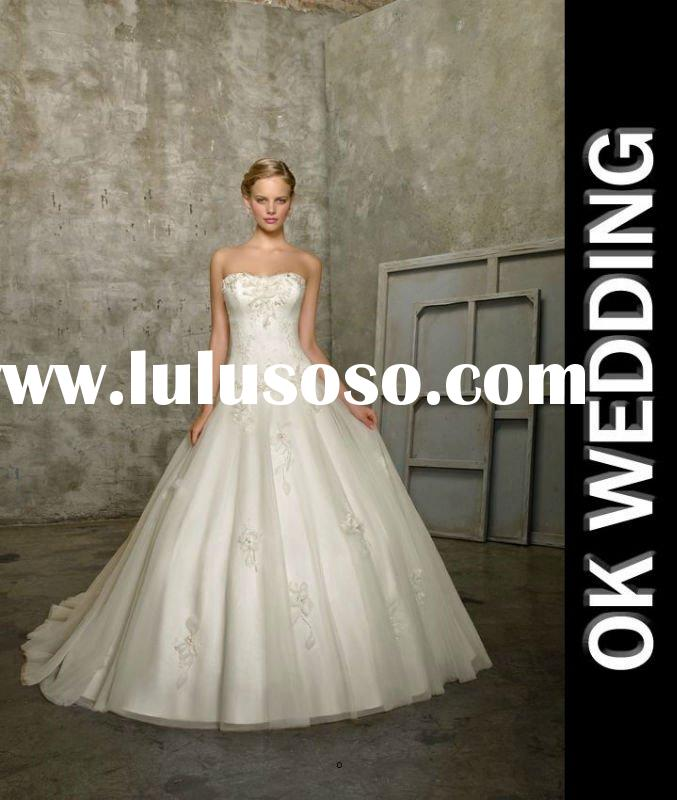 Gorgeous appliques tulle A line wonderful wedding dress shop