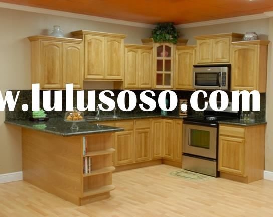 Oak Kitchen Cabinets with Shanxi Black Granite Counter Tops and Stainless Steel Sink