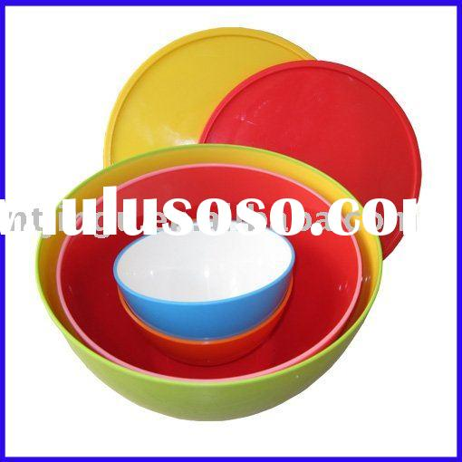 Plastic bowl with cover