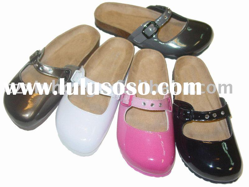 casual clogs , fashion clog , clog shoes