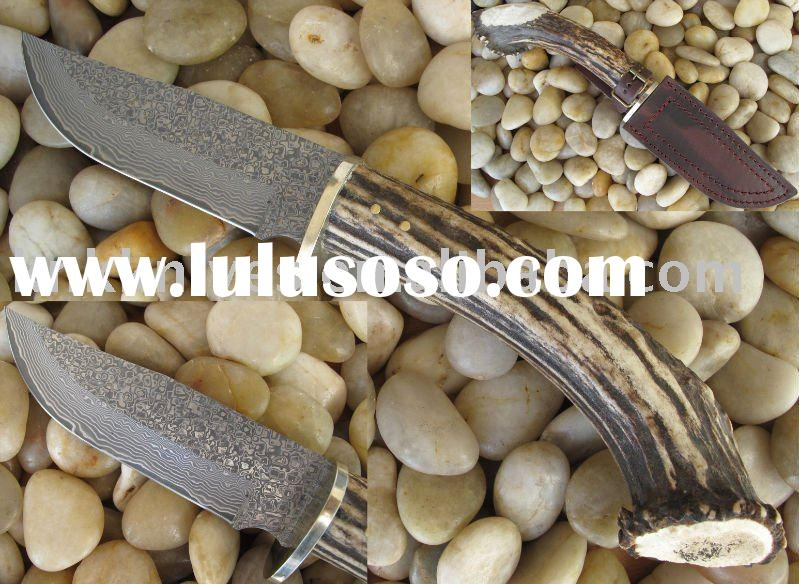 damascus hunting knife with deer horn handle