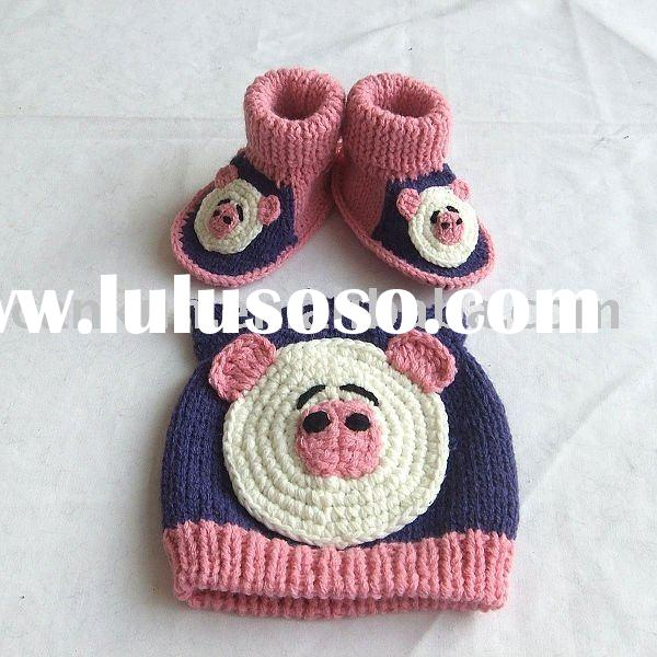 handmade/crochet/knitted winter baby hat & shoes sets