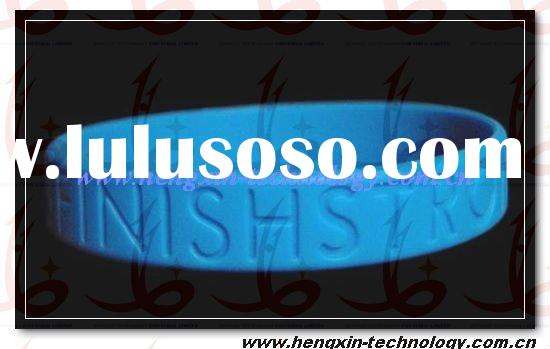 Solid color debossed wristbands debossed silicone bracelet