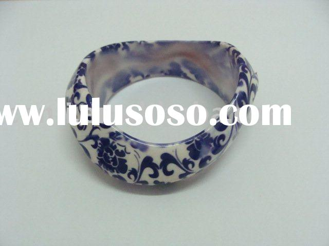plastic bangle bracelet