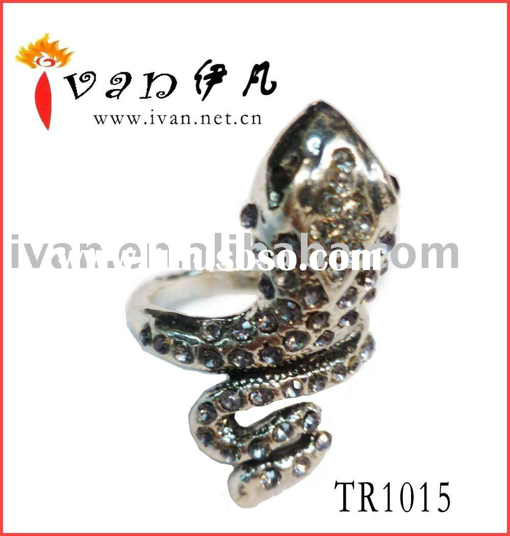 2011 Newest Design Hot Fashion Snakelike Ring