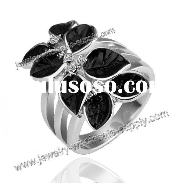2011 new-style yellow gold SW leaf Ring with white diamonds