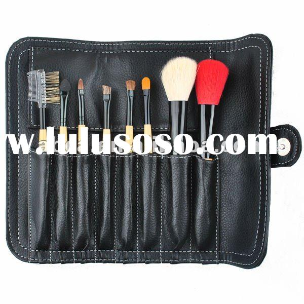 Fashionable makeup brush set
