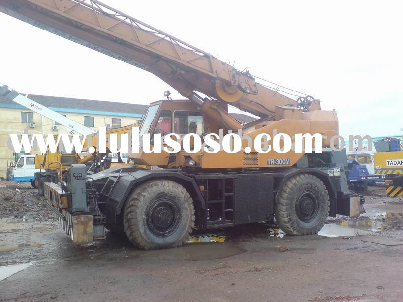 Sell used 30 tons tadano Rough Terrain mobile crane (original made-in-Japan)