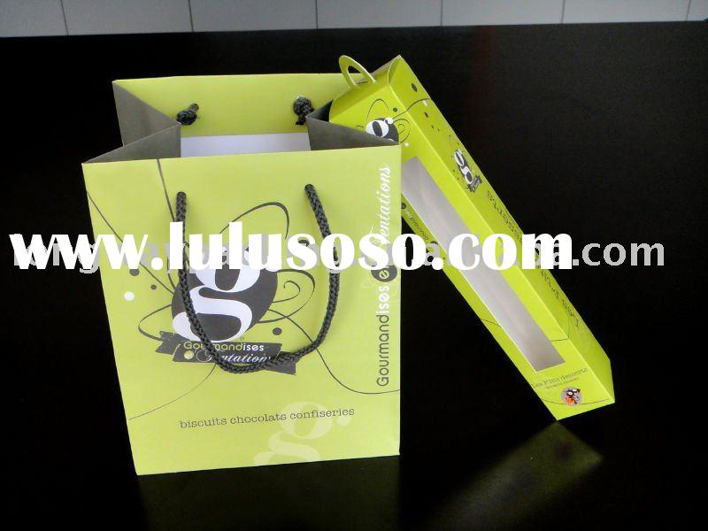 green packaging gift paper bags and boxes