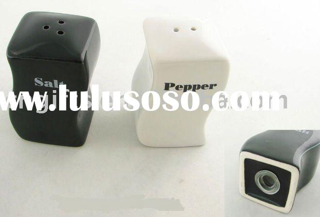 porcelain condiment holder set black and white salt and pepper shaker