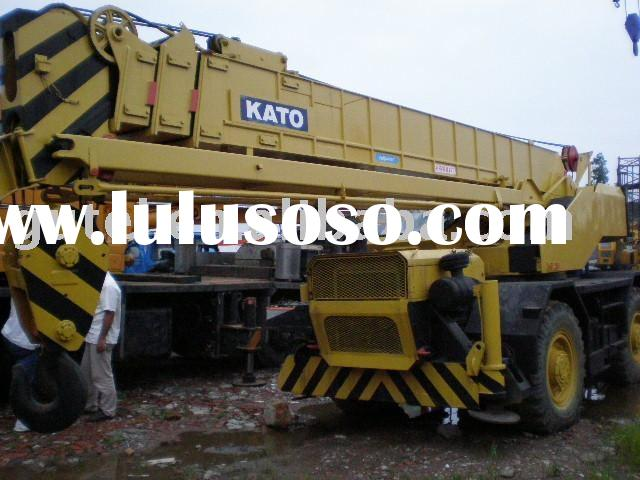 used rough terrain crane kato KR-250 25 ton