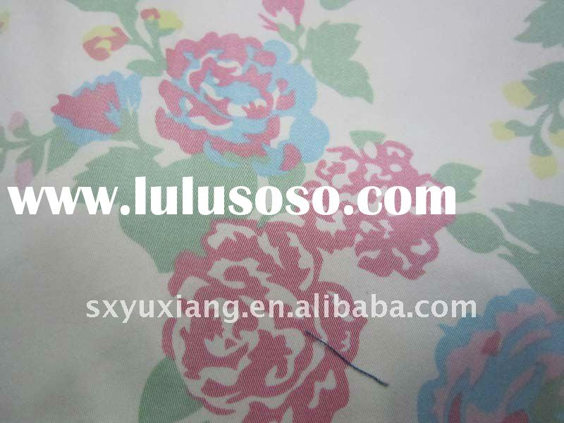 65 Cotton/32 polyester fabric 3 spandex with nice big flower