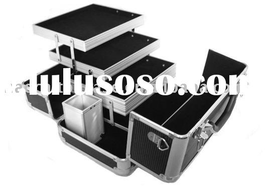 ALUMINUM MAKEUP ARTIST COSMETIC TRAIN CASE BLACK