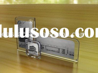 Acrylic frame with magnet