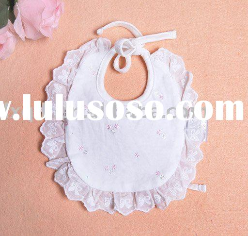 Baby bib with lace