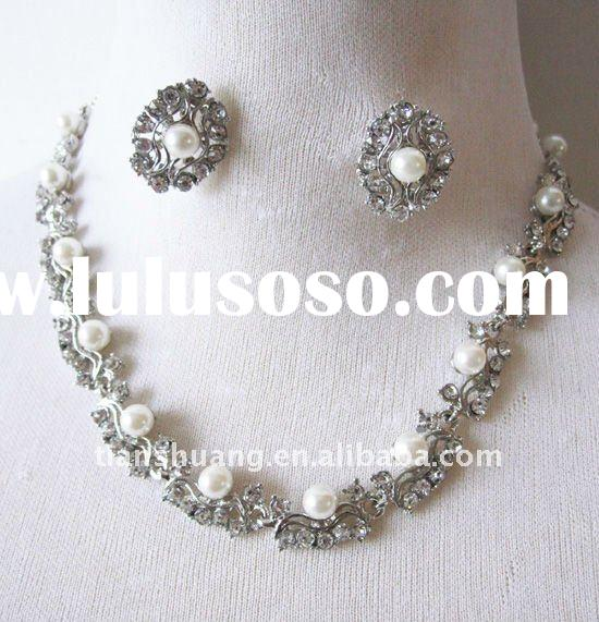 Fashion white pearls alloy necklace and earring sets