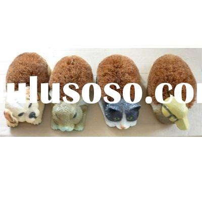 Indoor Outdoor Garden Polyresin Coir Shoe Brush with rubber feets Animal Shoes Brush Natural coir br