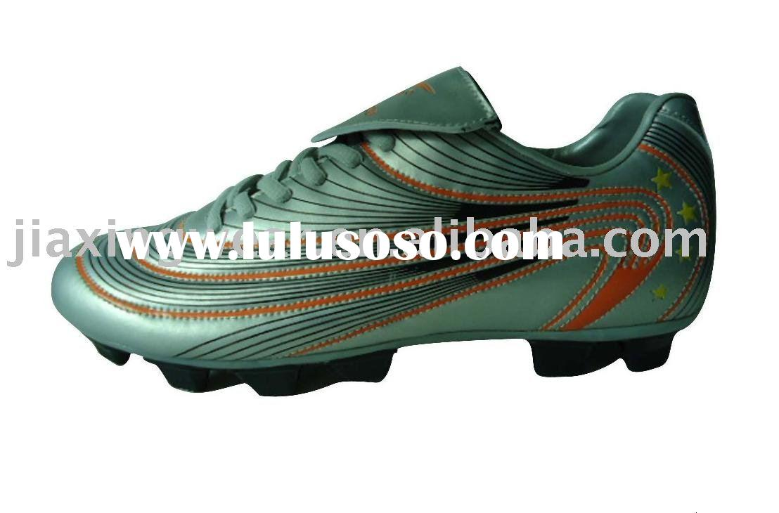 New arrival men's football shoes, outdoor sports shoes for sale
