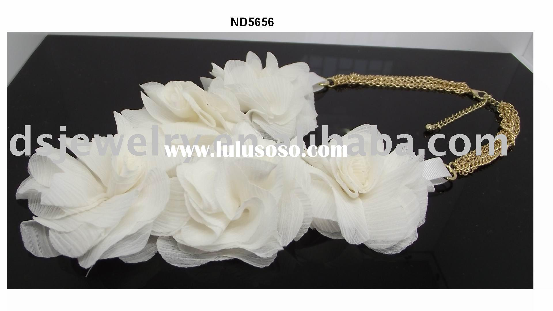 fabric flower necklace -fashion accessories