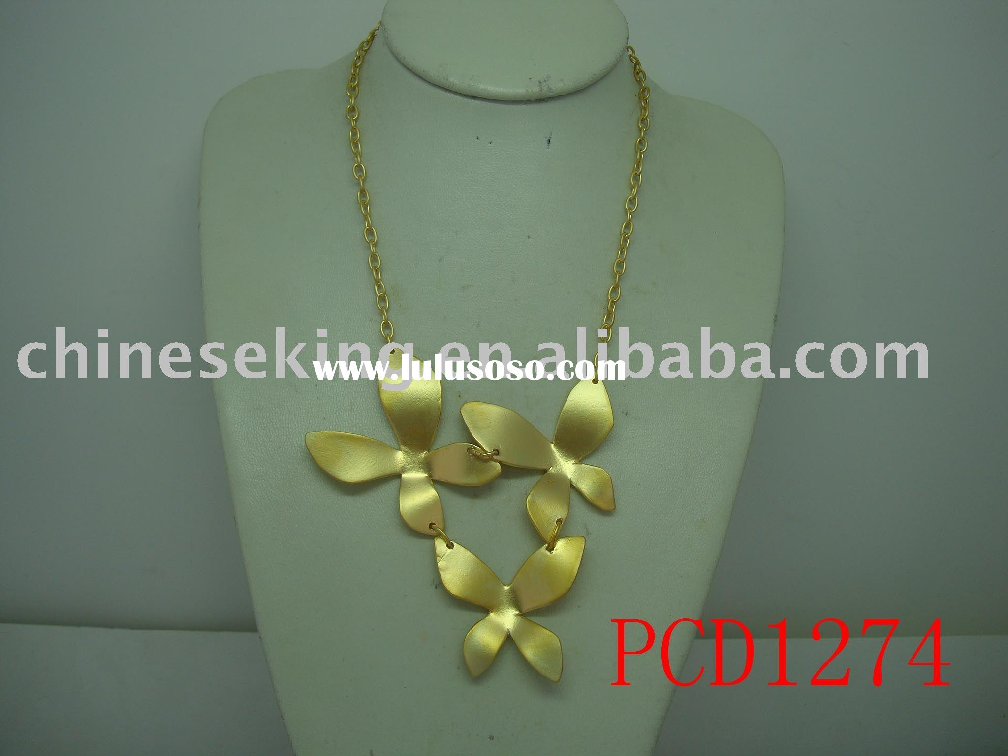 fashion jewelry,gold necklace,fake gold necklace, elegant jewelry,flower pendant jewelry,metal alloy