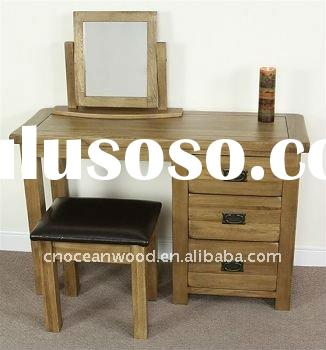 rustic dressing table with mirror