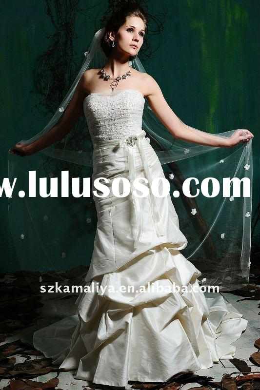 2011 Latest Fashion Design Chapel-length Train Wedding Dress
