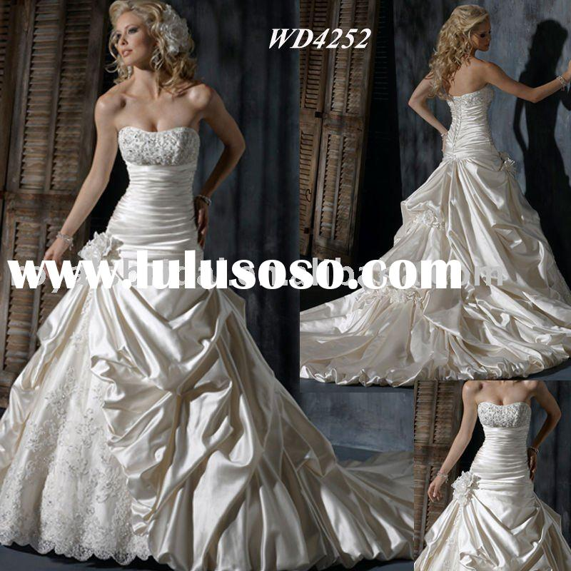 2011 Popular Ball Gown Strapless Wedding Dress