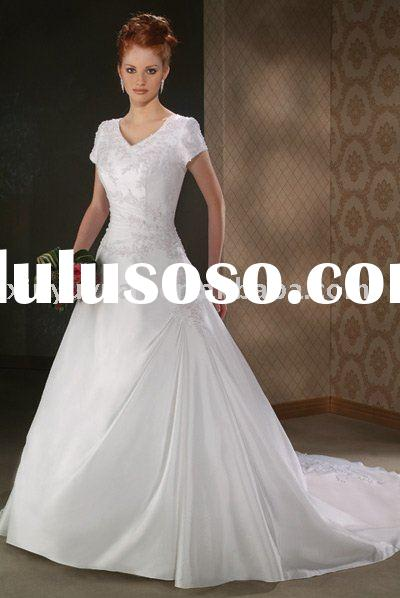 Designer Short Wedding Dresses on 2011 Hot Sale New Designer Wedding Dresses With Short Sleeves Bow 009