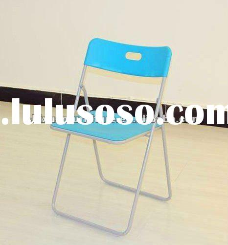 Plastic stackable snack tables plastic stackable snack for Good quality folding chairs
