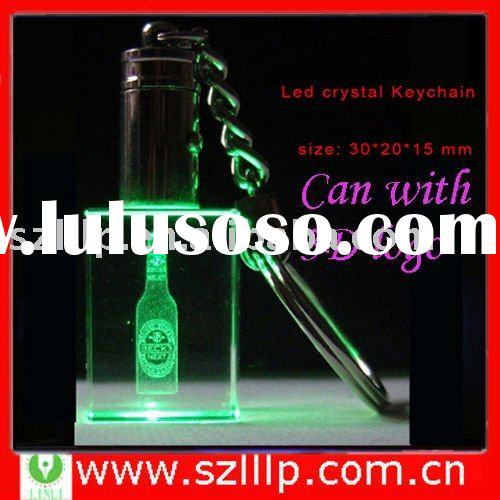 Supply logo laser engraved promotion crystal gift keychain with green light