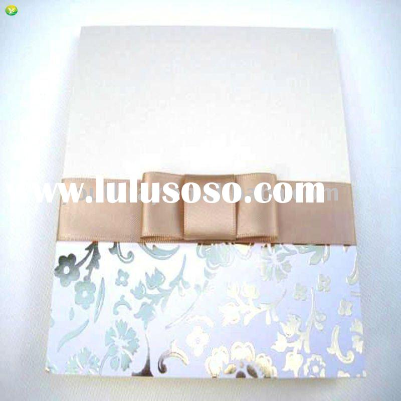Timeless style wedding invitation cards made with paper