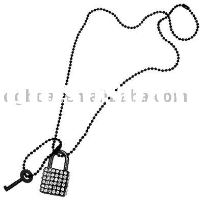 fashion jewelry Crystal Padlock necklace w/key