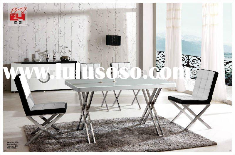 2012 new design modern metal dining table with Aluminum and tempered glass