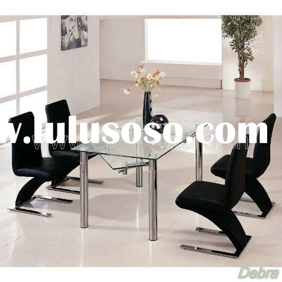 Extending Dining Table + 6 Z Chairs