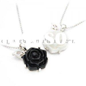 Real White Gold Plating Black And White Rose Resin Necklace