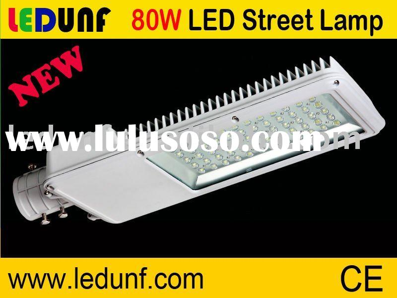 Excellent light distribution 30W--180W LED Solar Street Lamp