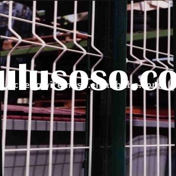 Galvanized iron wire or plastic coated iron wire mesh fence