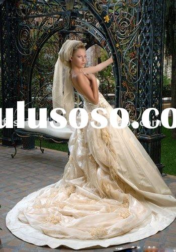 A083 Long train gold arabic bridal wedding dress