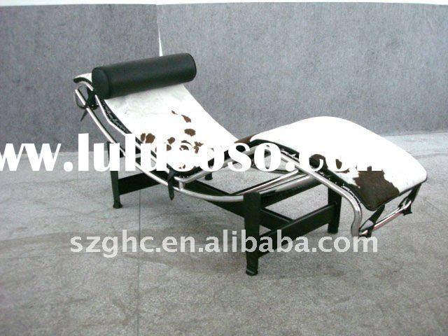 Chaise lounge chair designed by Le Corbusier