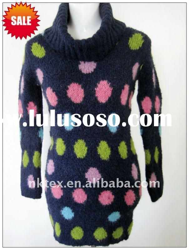 Fashionable knitted sweater dress with jacquard pattern