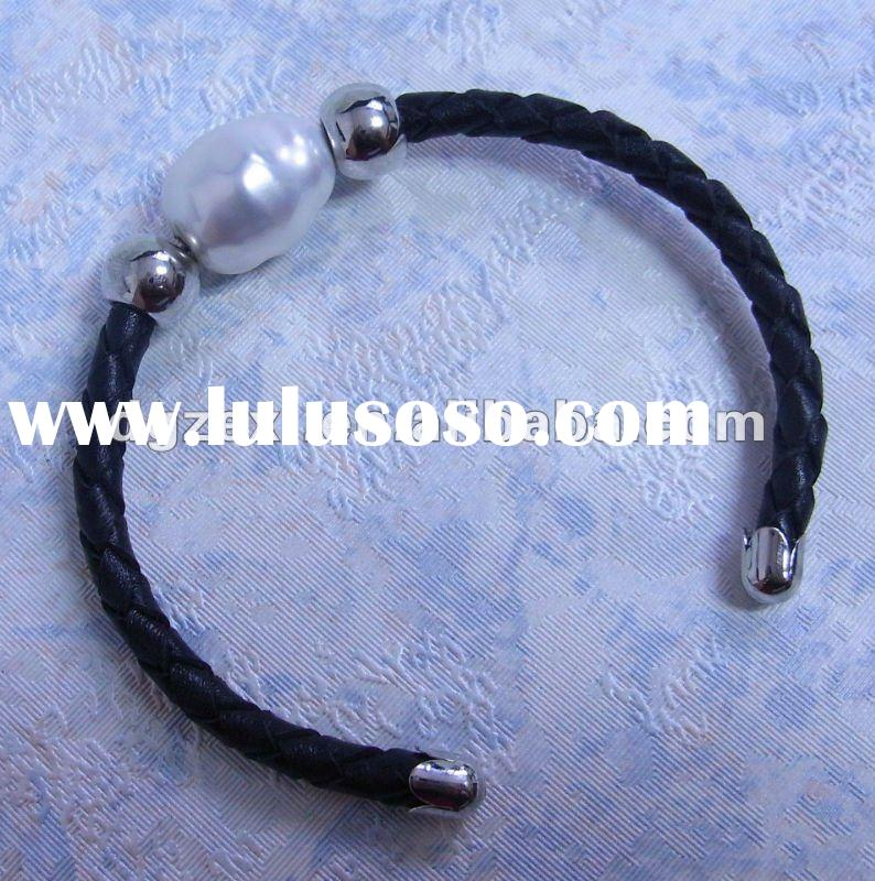 Faux black leather bracelet with glass pearl