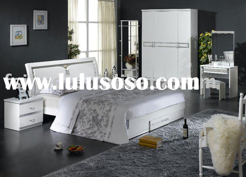 Glossy white lacquer MDF Bedroom Furniture set