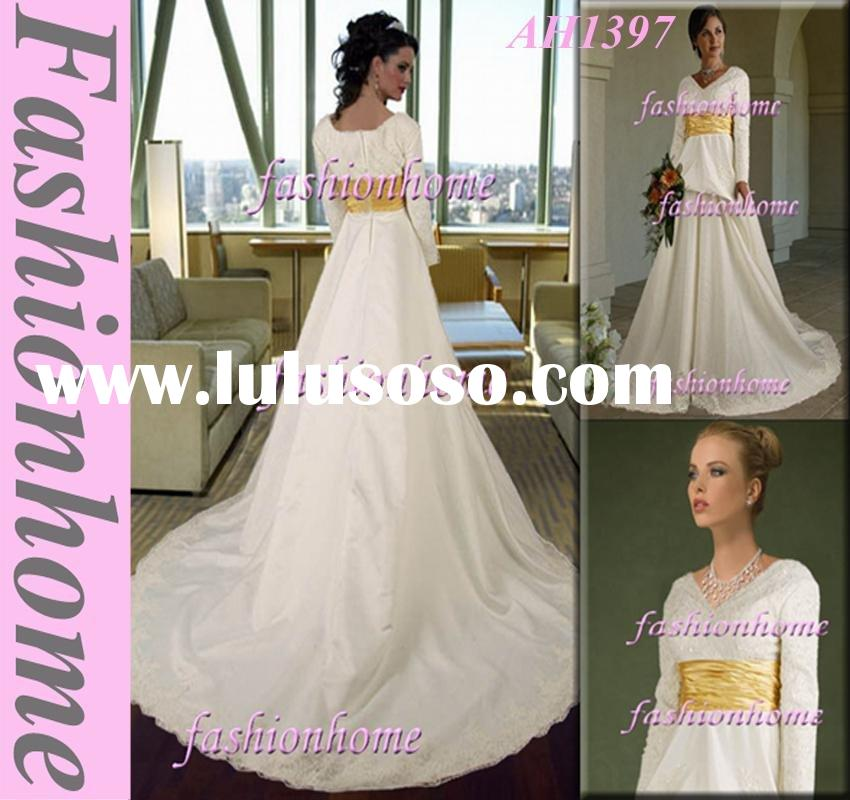 New arrival modest wedding dress elegant bridal dress with long sleeve AH1397