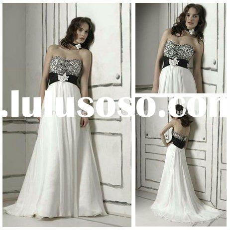 No Train Embroidery Black and White Wedding Dresses